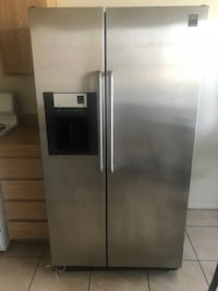 Frigidaire Gallery Stainless Steel Side by Side Refridgerator