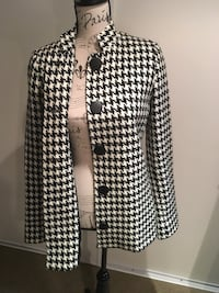 Ladies houndstooth print jacket size small  Oakville, L6H 1Y4