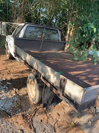 Dually flatbed