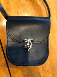 leather pouch purse with metal clasp  Langley, V2Z