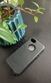 iPhone SE/5 otterbox phone case