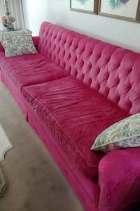 red and white fabric sofa Silver Spring, 20902