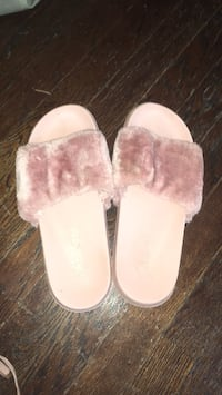size 8/9 women's slides  Knoxville, 37916