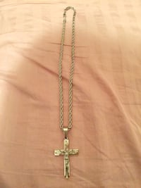 Stainless steel chain necklaces with cross pendant 马卡姆, L3P 7T8