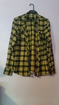 black and yellow plaid button-up long sleeve shirt Toronto, M1C 3Y4