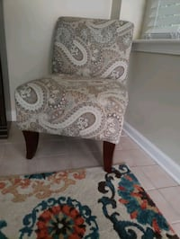 decorative chair - great condition- pet free home $25 Atlanta, 30318
