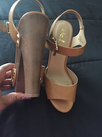 Pair of brown leather open-toe ankle strap heels Florence, 39073