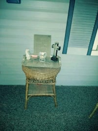 Wicker chair and stand Granite City, 62040
