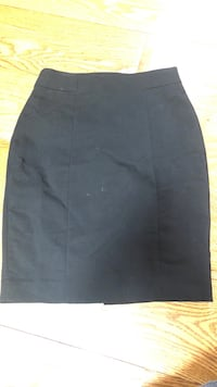 H&M pencil skirt Calgary, T2E 3Y8