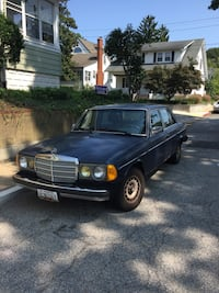 Mercedes - 300d - 1983 turbodiesel excellent condition daily driver guarantee will pass any state inspection Annapolis, 21401