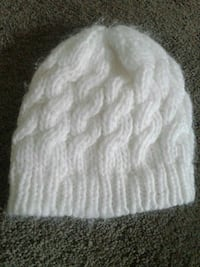 Knitted toque size S Nanaimo, V9T 6S4