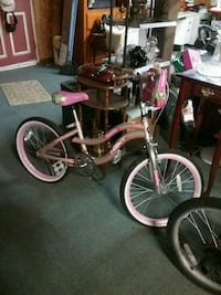 "Girls 20"" bike.  Like new Spartanburg"