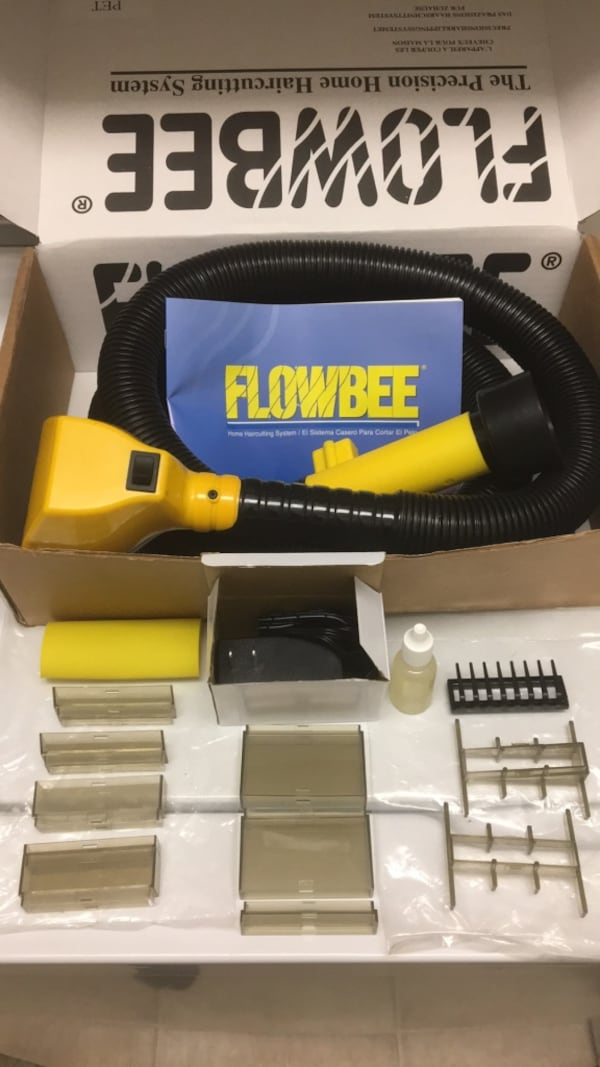Flowbee with extra attachments and oil 7ec10d53-b731-4358-8da2-ac5d2ff06a79