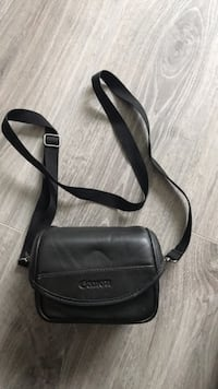 Canon pouch - lens or small camera holder Surrey, V4N 2E7