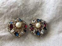 Vintage Costume Jewelry - Earrings Chico