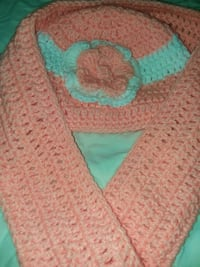 pink knit hat and scarf set Baltimore, 21215