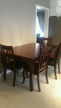 Dining  table with 5 chairs  Whitby, L1R 2H5