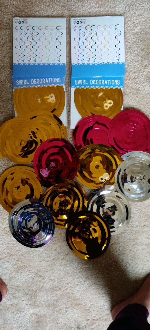 20 PC's swirl decorations.... 4