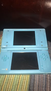 white Nintendo DS with case Mandeville, 70471