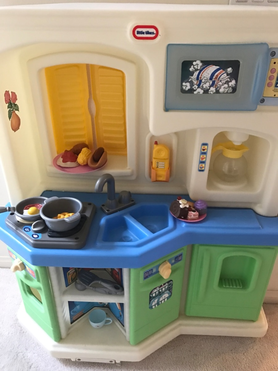 Used Little Tikes Cookin Fun Interactive Kitchen Used In