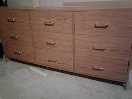 6 drawer dresser in ok condition.