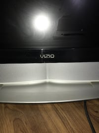 gray and black Vizio CRT TV