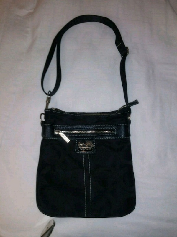 Used Black Coach Crossbody Purse for sale in Lubbock - letgo 5cf7a1d2abb7