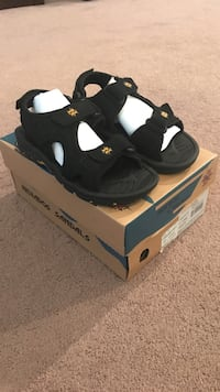 Nevado's boys sandals, sz 1.