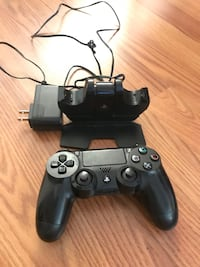 PS4 controller and charger  Wilmington, 28412