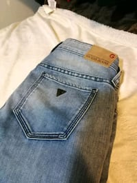Guess jeans .size  27 . Stretch  Vancouver, V5T 3B8