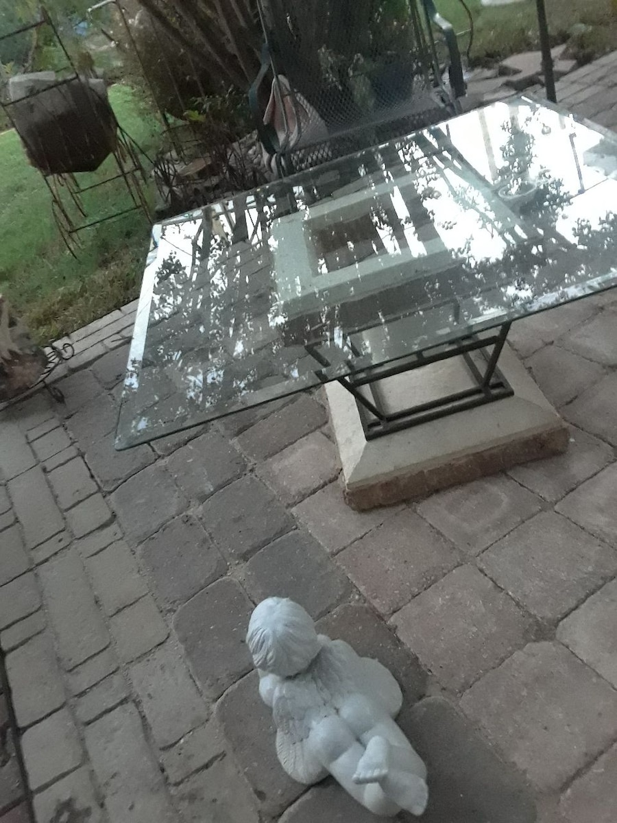 glass top table  - Richland Hills