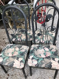 4 chairs metal with cushions Taneytown, 21787