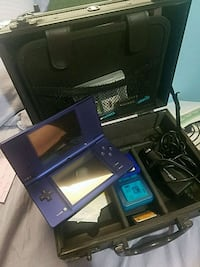Nintendo Dsi with games and carrying case Deer Park, 77536
