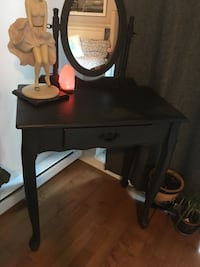 Vanity set excellent condition real wood dark blue colour