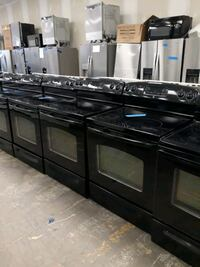 Black Electric stove excellent condition 4 months of warranty Bowie, 20715