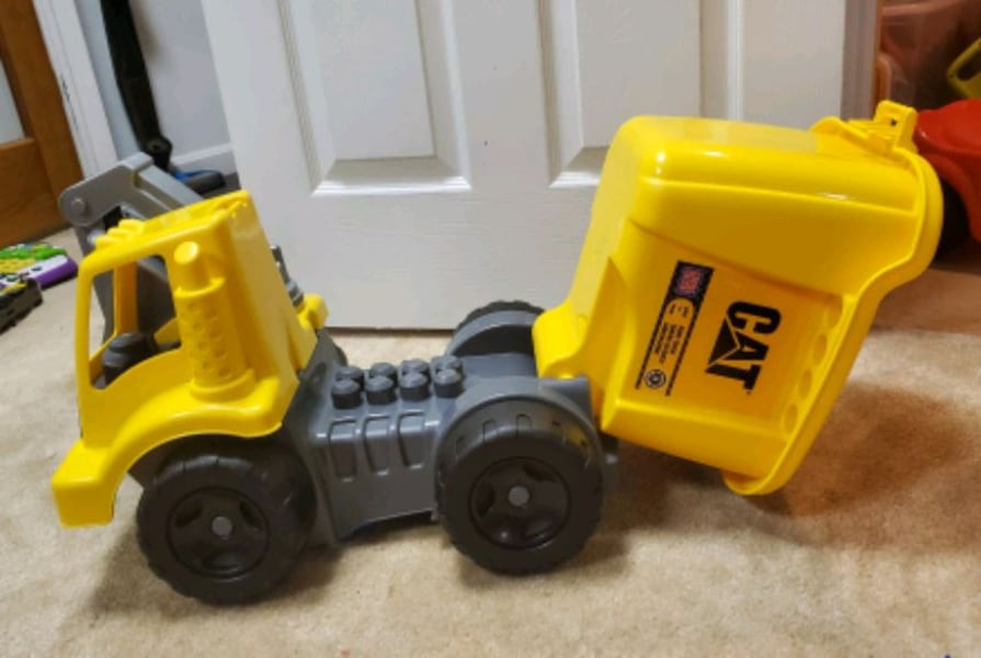 Mega Bloks Wagon and Dump Truck 2