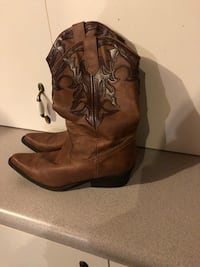 Boots size 9.5 worn once for a wedding Bristol, 37620