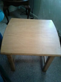 Wooden End table, 23 w x 20 tall Louisville, 40216