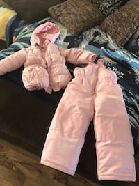 Girls size 3 snow suit did not get my tears