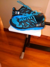 Under Armour size 10 Moore, 73160