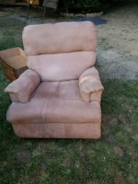 brown suede recliner sofa chair Leesburg, 45135