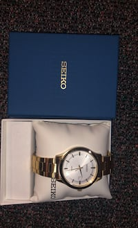 Seiko Gold and White Watch Markham, L3T 6Z9
