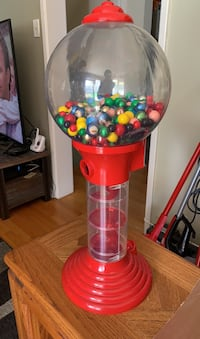 Metal and plastic 25inch high Gumball Machine