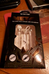 Metal flat cable bass earbuds with microphone. Chester, 23831