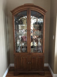 Lighted hutch