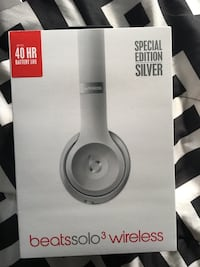 Beats Solo3 Wireless On-Ear Headphones - Beats Pop Collection Bethesda, 20814