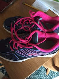 pair of black-and-pink Nike running shoes Elkhart, 46514