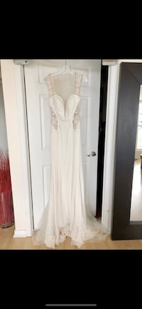 BRAND NEW Galina Signature Ivory Wedding Dress with Illusion Detail Toronto, M5G 1M7