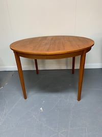 Refinished solid teak dining table Saanich, V8Z 6W5