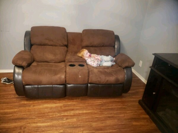 Used brown leather 3-seat recliner sofa for sale in Arlington - letgo